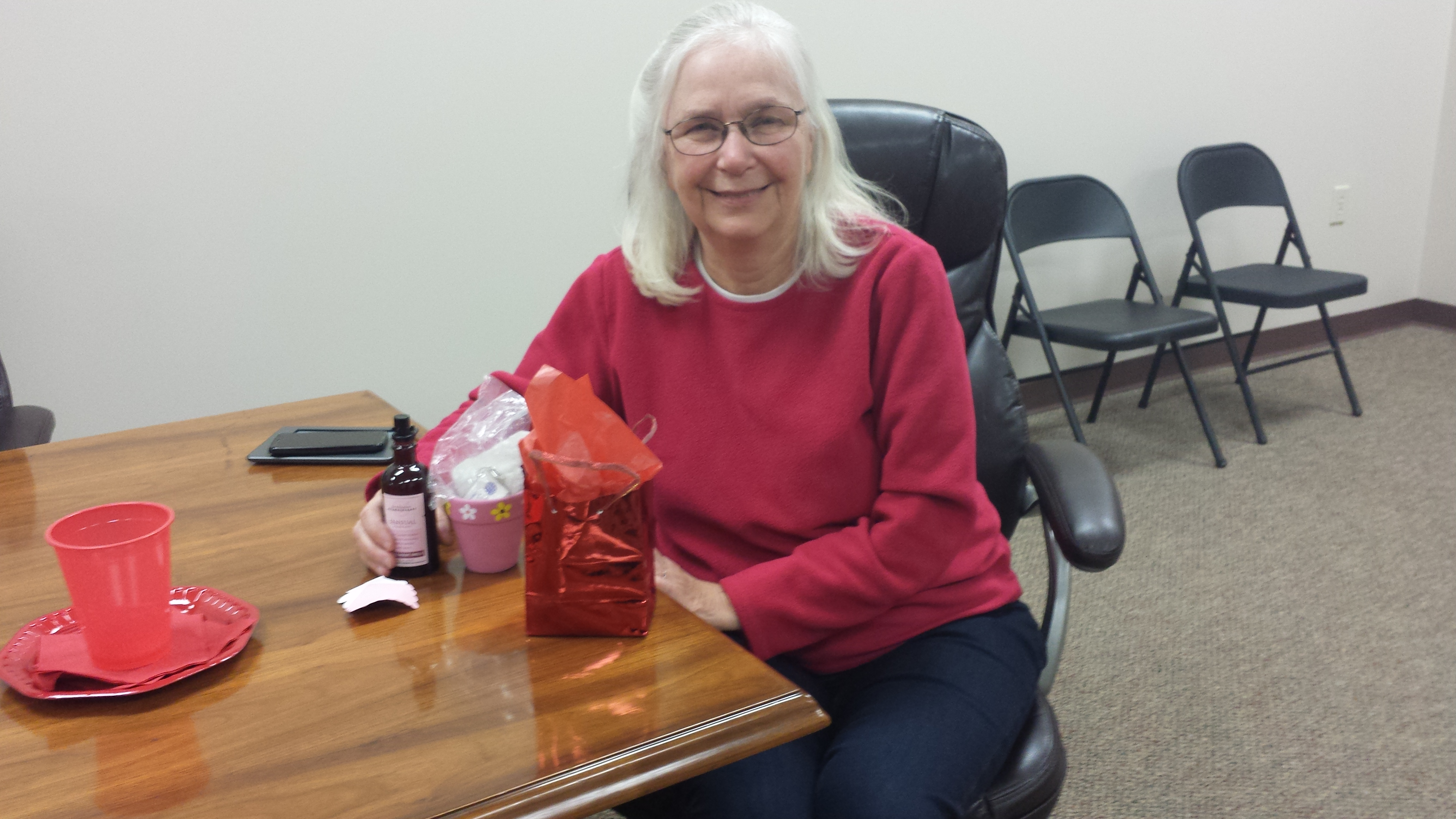 Carolyn Tadlock won the prize at the meeting held at the Pleasant Township Hall