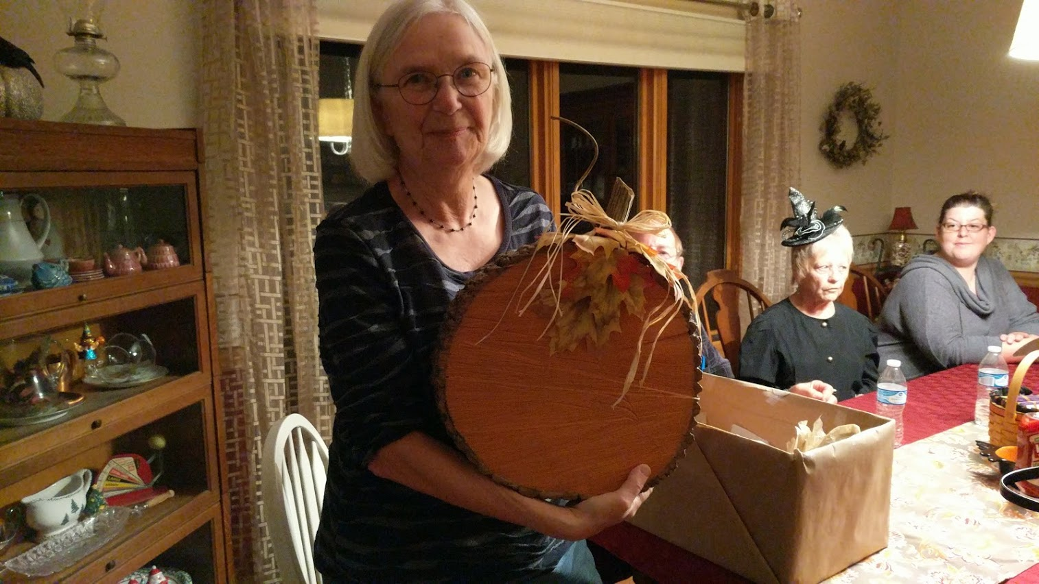 Carolyn Tadlock was the lucky book club member to win the prize drawing at the October meeting.  This months prize was hand crafted and donated by David & Judy Lucas.