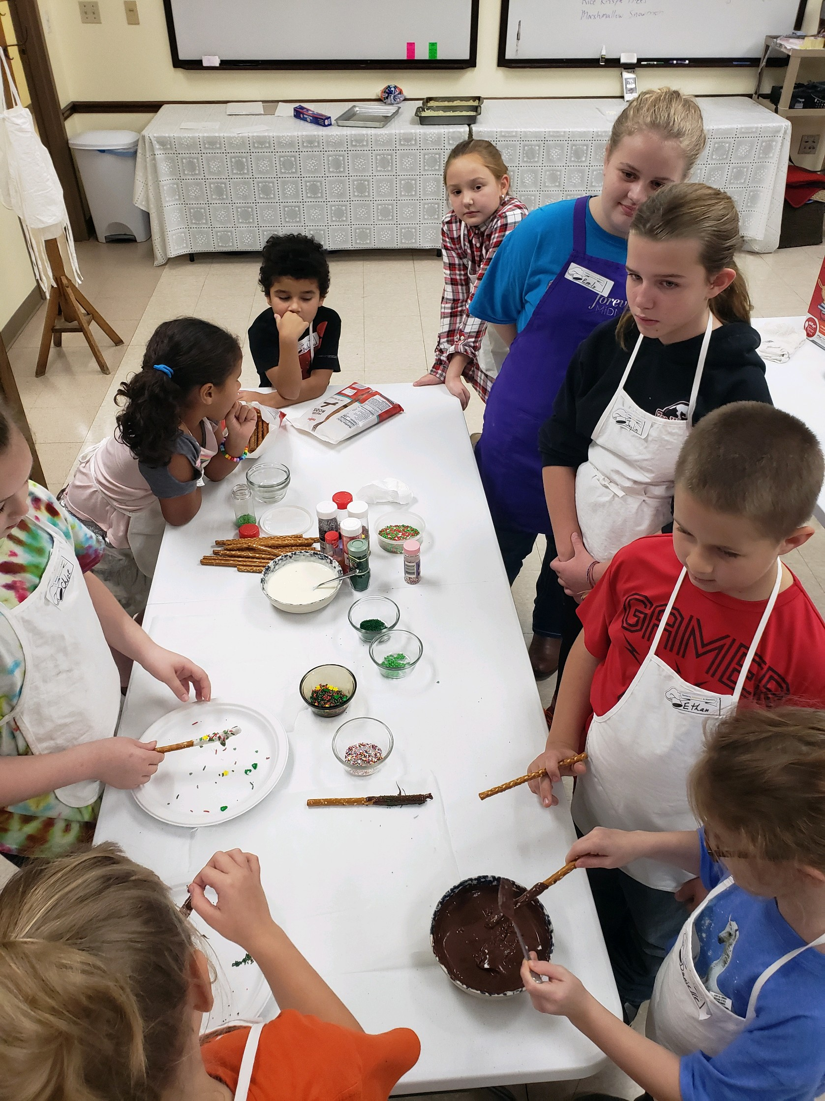 Our Kids Cooking Club groups are having chocolate tasting and making Christmas candies in December.
